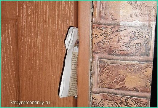Распорка между дверью и коробкой